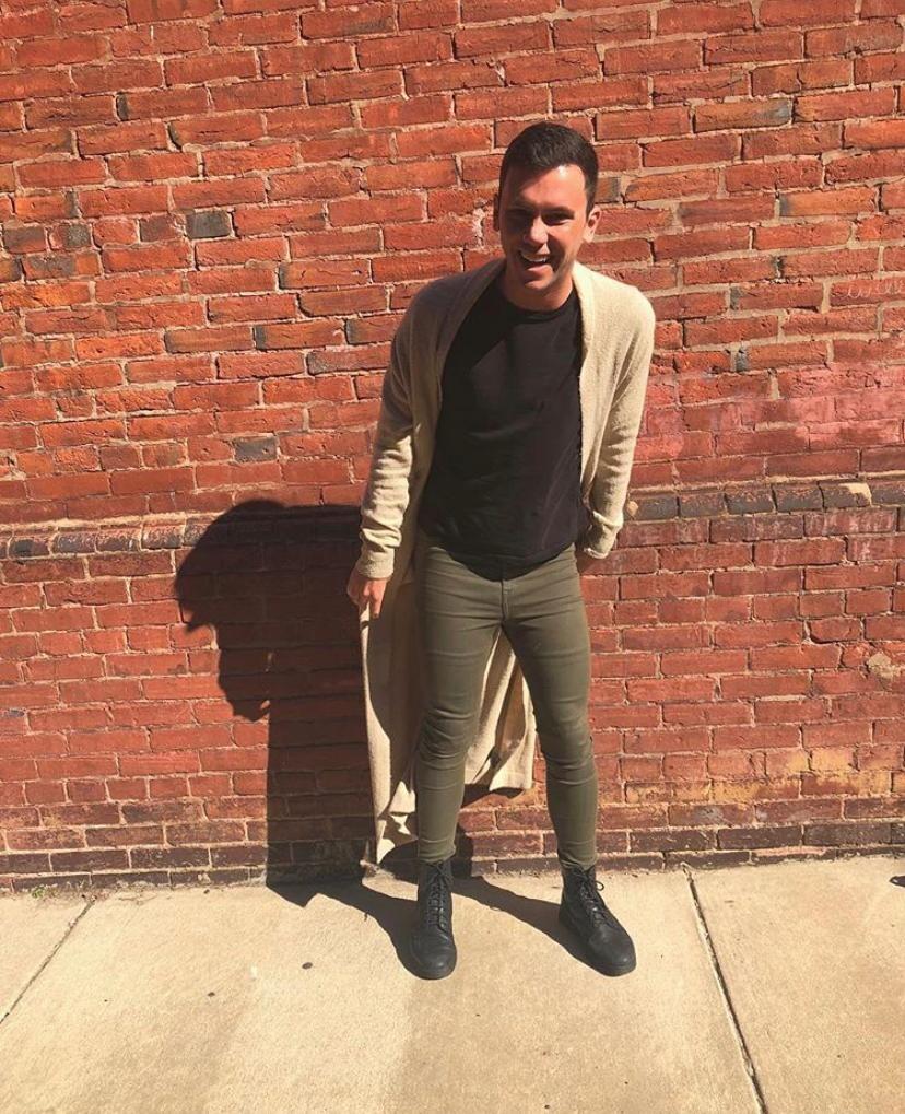 Meet gay men from Los Angeles looking for hookup